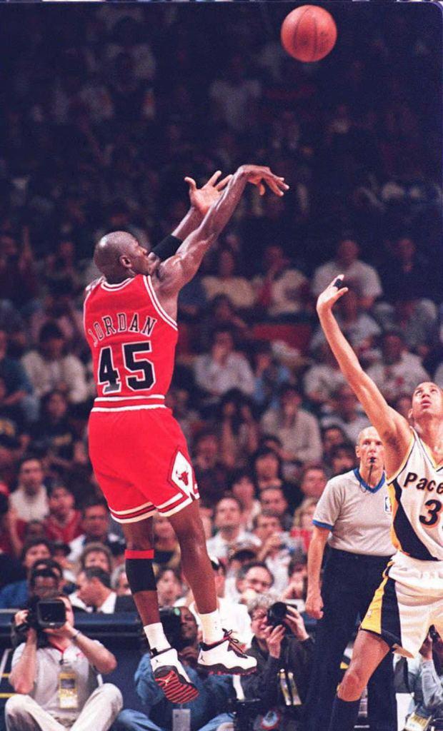 """Michael Jordan (#45) wearing Air Jordan 10 """"Chicago"""" During Return to Basketball"""