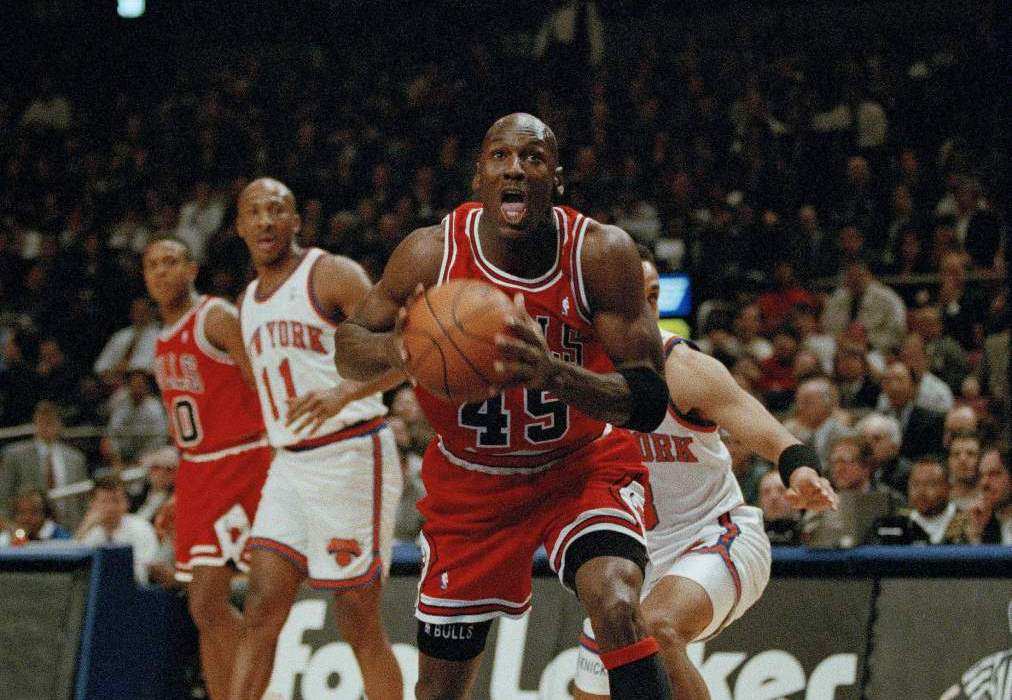 "The ""Double-Nickel"" Game – Michael Jordan's Come Back at MSG"