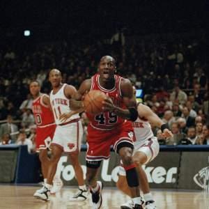 Michael Jordan and the Chicago Bulls vs the New York Knicks at Madison Square Garden 03/28/1995 - Photo cred via AP Photo/Kevin Larkin