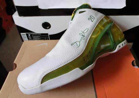 Nike Air Hawk Flight Shoes