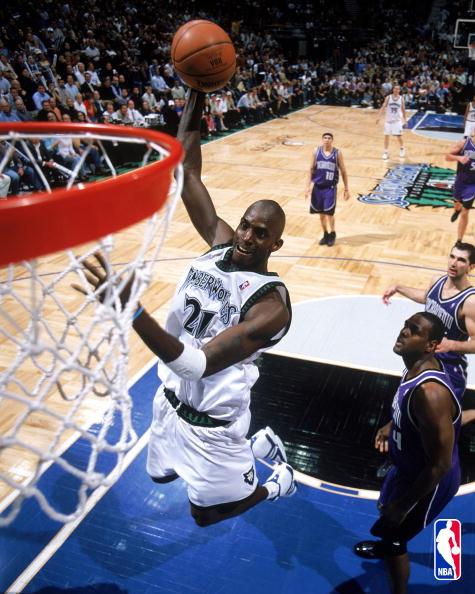 Kevin Garnett dunking in adidas Garnett