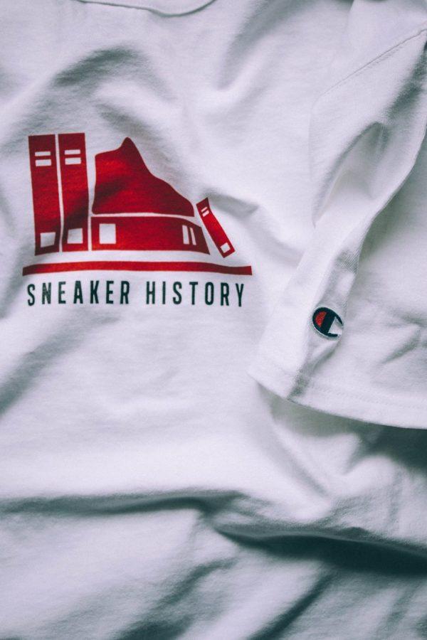 Sneaker History Shirt - Champion Heavyweight