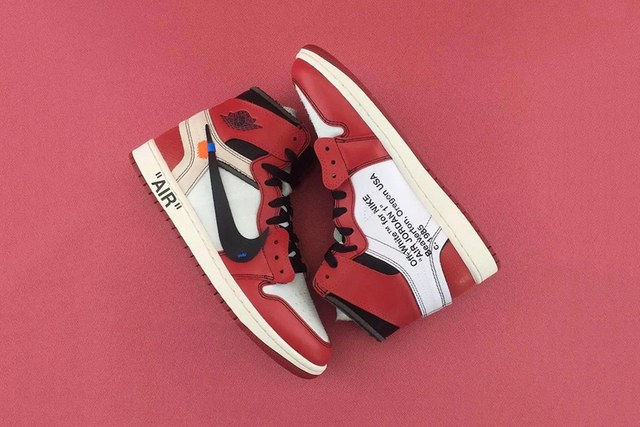 Off-White Jordan 1 Chicago