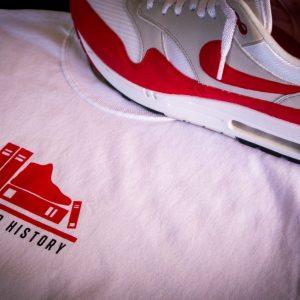 Sneaker History T-Shirt OG Logo