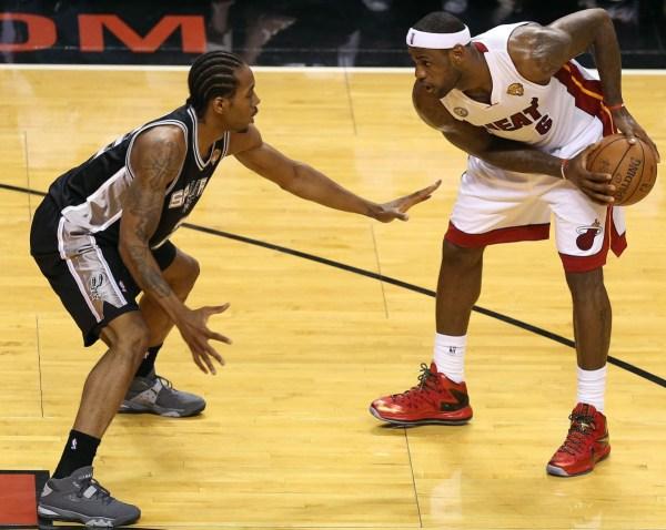 Kawhi Leonard defending LeBron James in the Nike Air Force Max