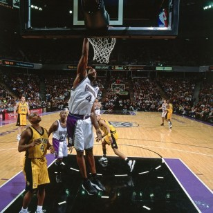 Chris Webber wearing the Reebok Answer 3, scores a career high 51 points.