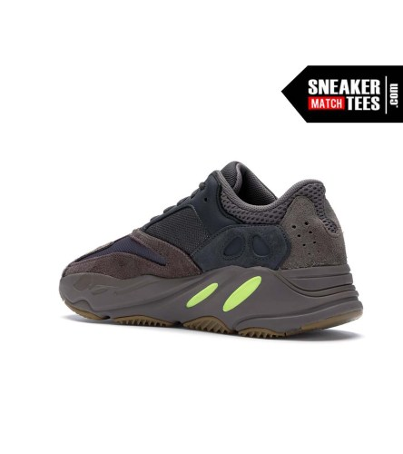 Yeezy 700 Mauve shirts match sneakers
