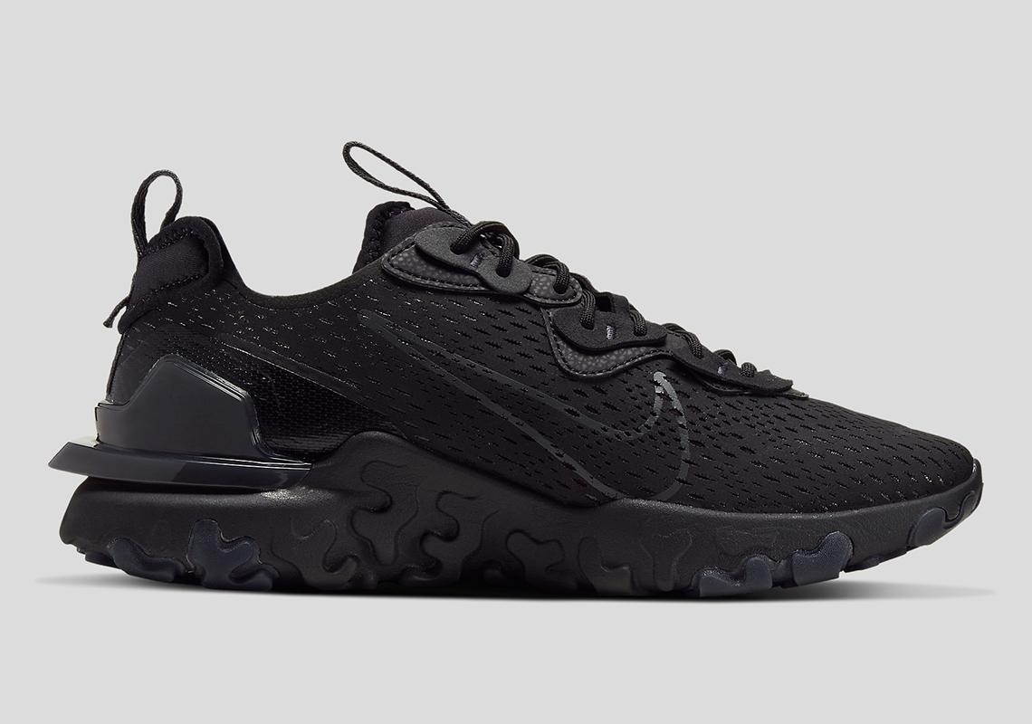 La Nike React Vision apparaît en triple noir - Crumpe