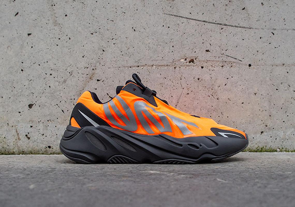 adidas Yeezy 700 MNVN Orange Liste du magasin Crumpe