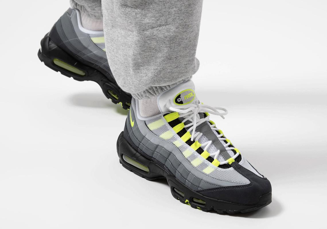 Date de sortie de la Nike Air Max 95 OG Neon CT1689-001 - Crumpe