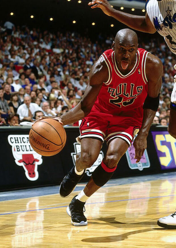 michael-jordan-wearing-space-jam-1