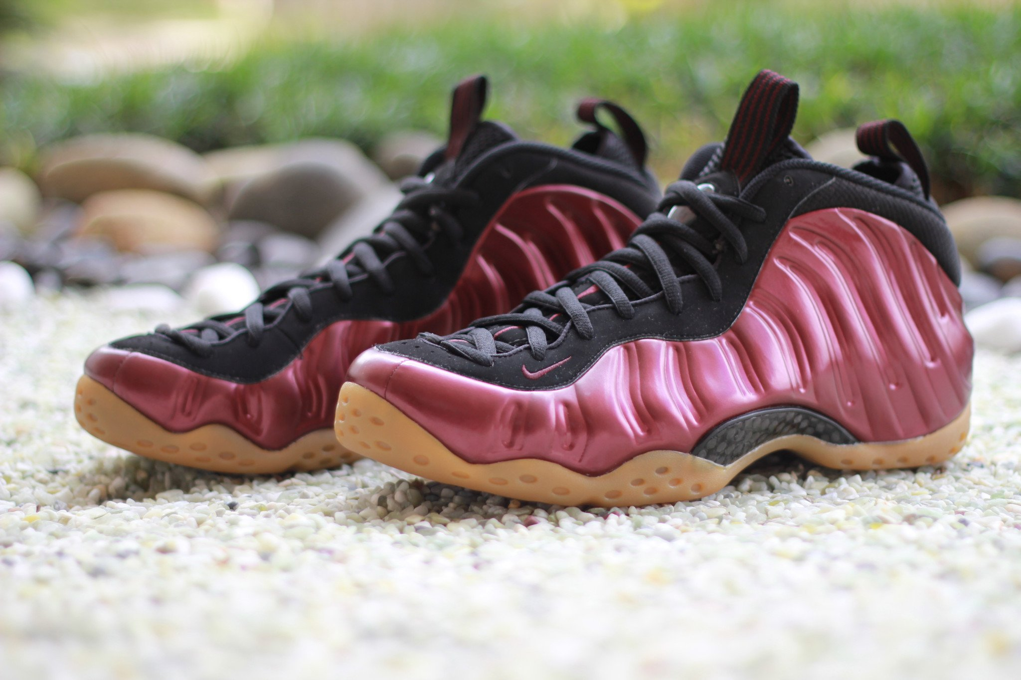shoes-nike-air-foamposite-one-maroon-2016-314996-601-2