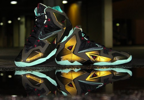 nike-parachute-gold-lebron-11-release-date-1