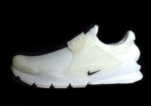 nike-sock-dart-all-white-01