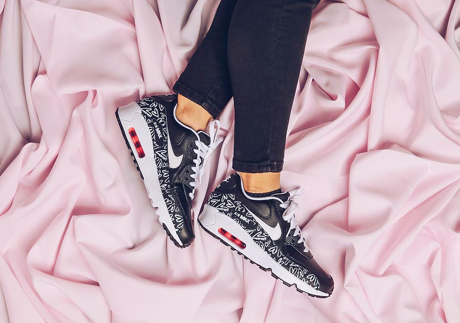 nike-air-max-90-gs-valentines-day-2017-2