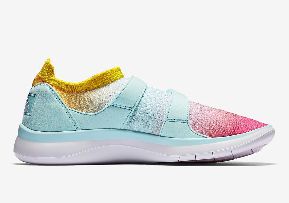 nike-sock-racer-flyknit-white-glacier-blue-racer-pink-1