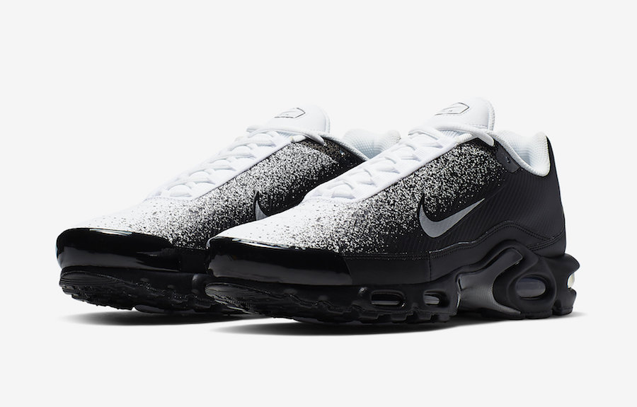 pas cher pour réduction dd745 8fb4d This black and white Air Max Plus is on the way | Sneaker ...