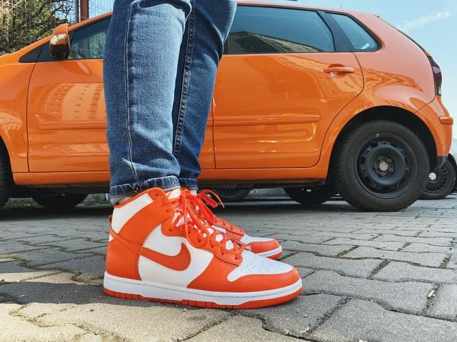 靴紐、シューレースを変えるだけで、新鮮なナイキのスニーカーに! NIKE DUNKに合うシューレース は?