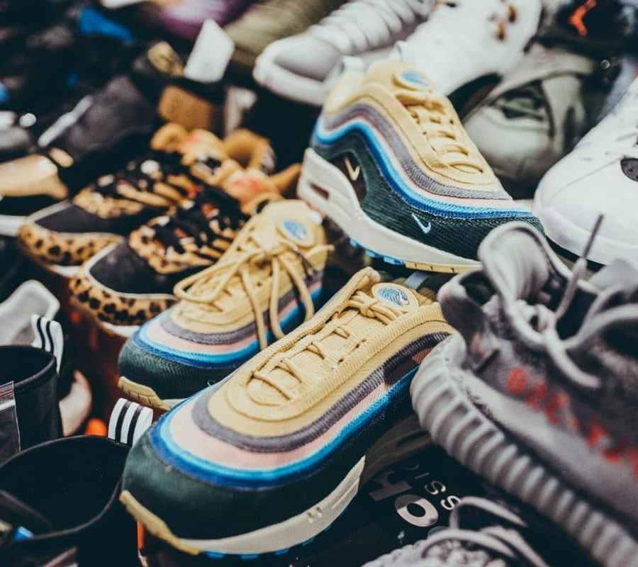 Bonjour Sneakers