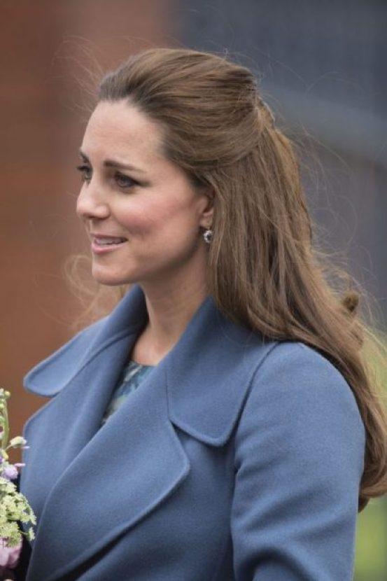 В первую очередь — мама, и только потом — герцогиня: Кейт Миддлтон поспешила на помощь заболевшему ребенку