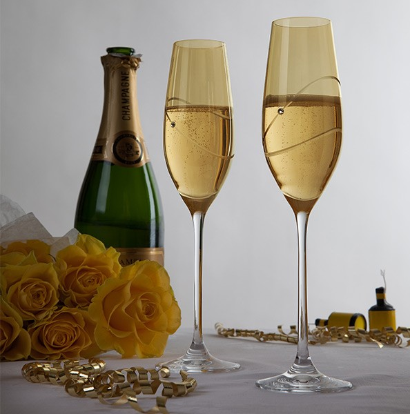 Personalised gold champagne flutes
