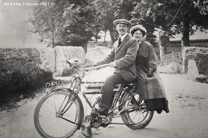 Mr & Mrs T Snook 1921 ©
