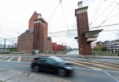 Duisburg Innenhafen/Schwanentor