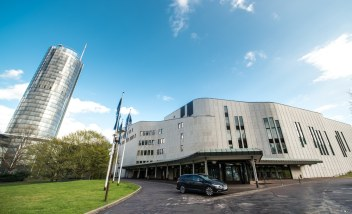 RWE Tower und Aalto Theater