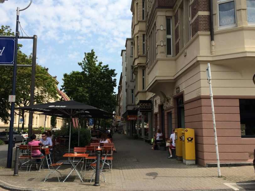 Café Lotte Brasserie - Außenbereich