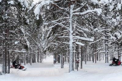 Schneemobiltour