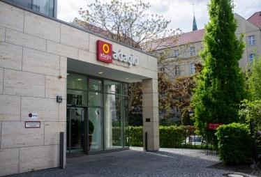 Eingang Adagio Aparthotel Berlin