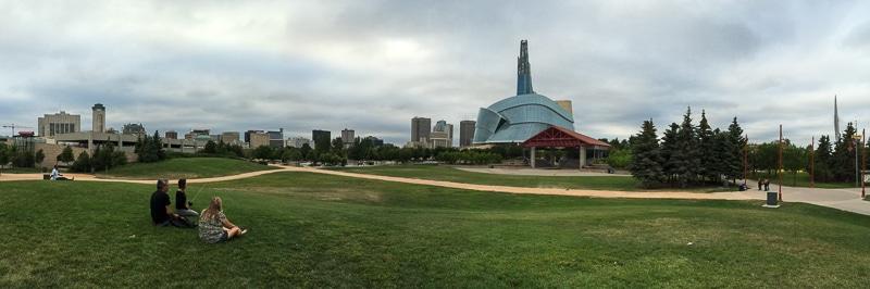 Skyline von Winnipeg, von The Forks aus gesehen