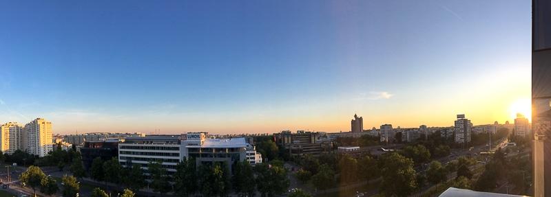 Panorama von Novi Beograd bei Sonnenuntergang