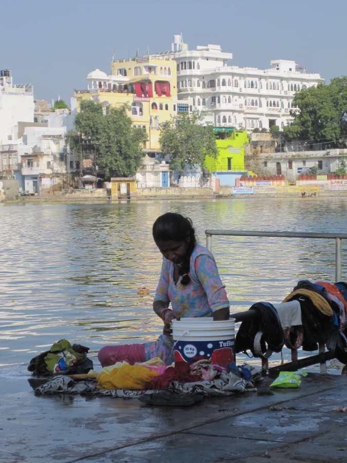 Wäsche waschen im Ganges