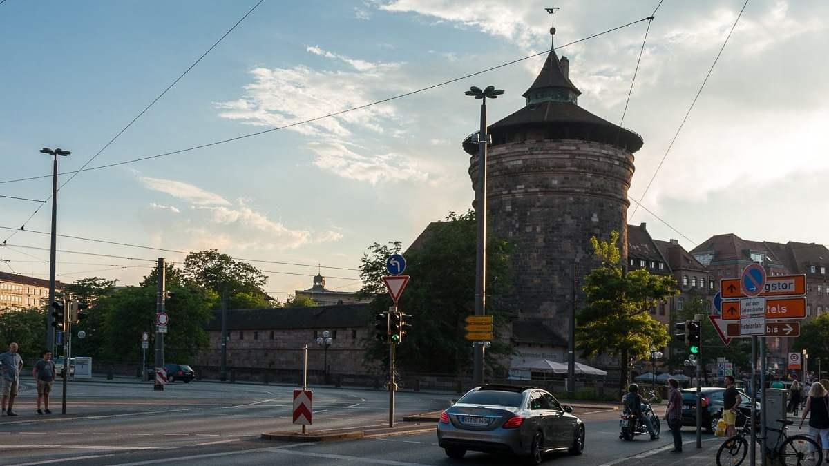 Frauenhofturm - Tor zur Altstadt von Nürnberg