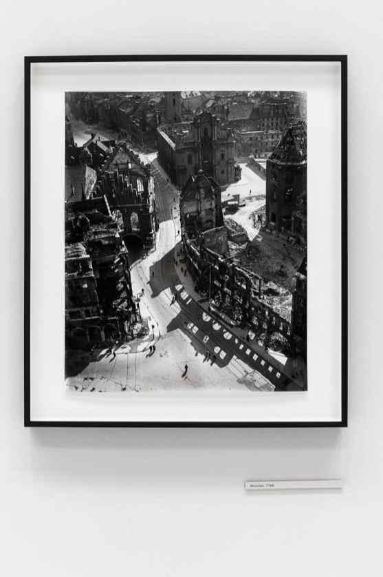 Resultate der Zerstörung durch den 2. Weltkrieg (Foto: Simon Bierwald, Indeed Photography)