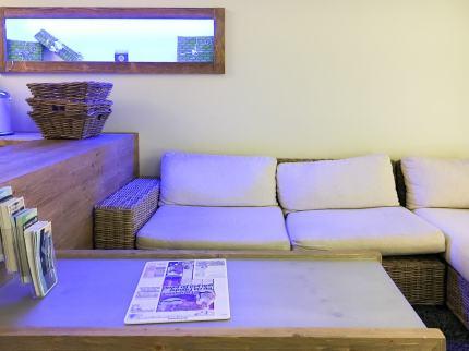 Loungig und entspannt - auch im Foyer