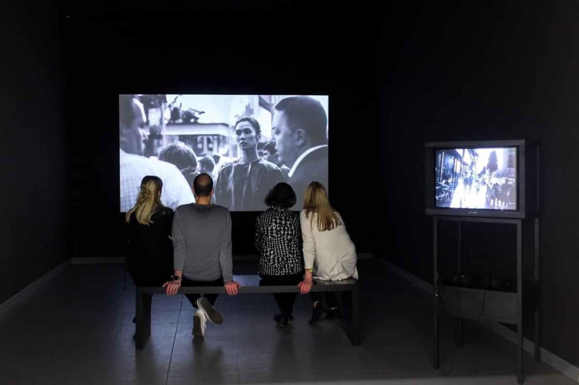Videoinstallationen im NRW-Forum - Women On Street-Ausstellung