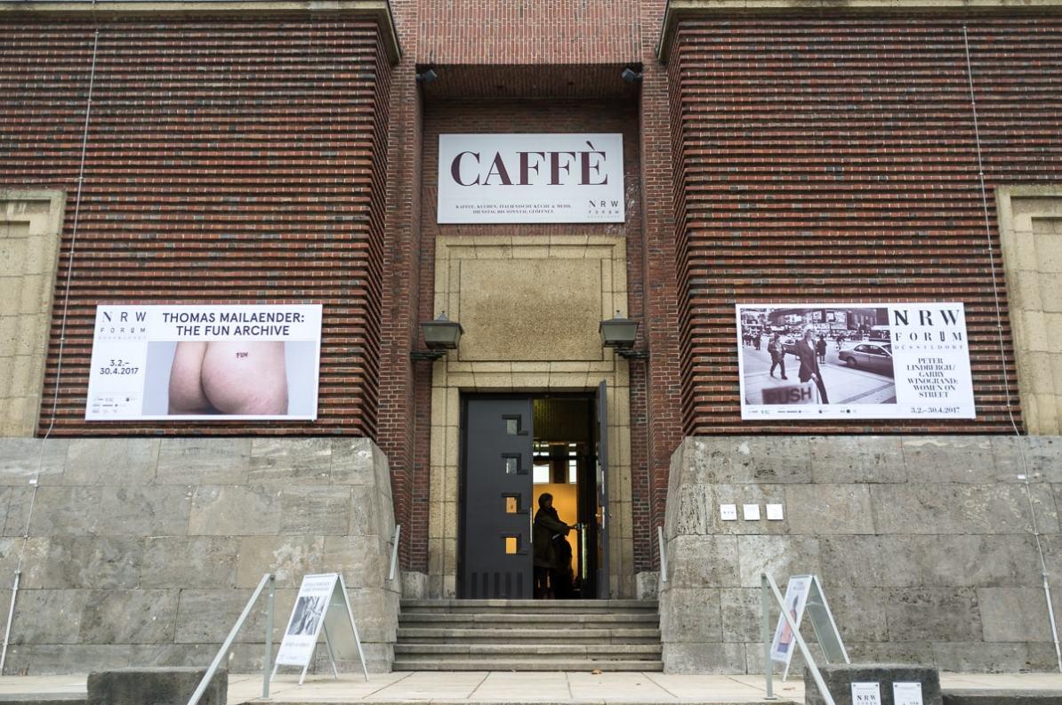 Eingang zum NRW-Forum, Düsseldorf