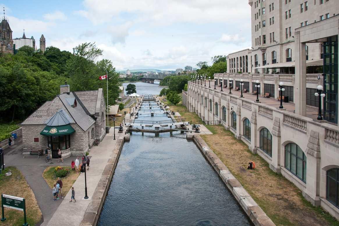 Die Schleusen am Ende des Rideau-Kanals hinunter zum Ottawa-Fluß