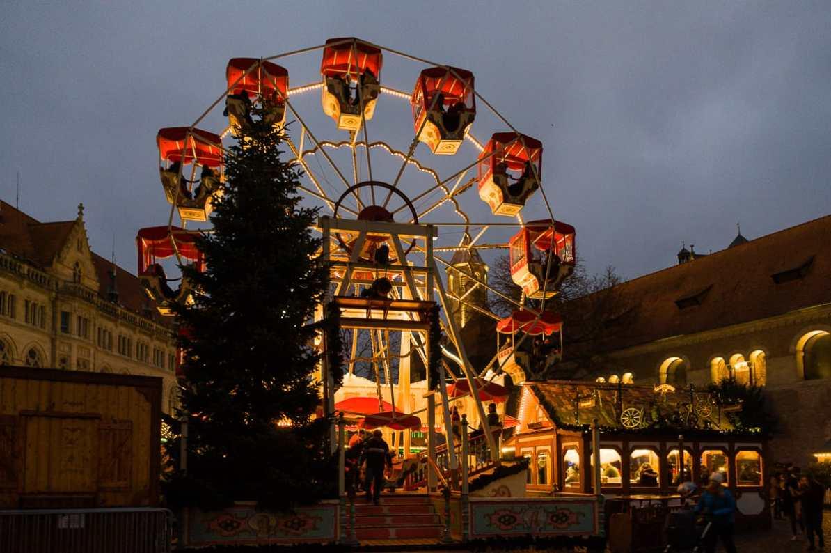Riesenrad auf dem Weihnachtsmarkt Braunschweig