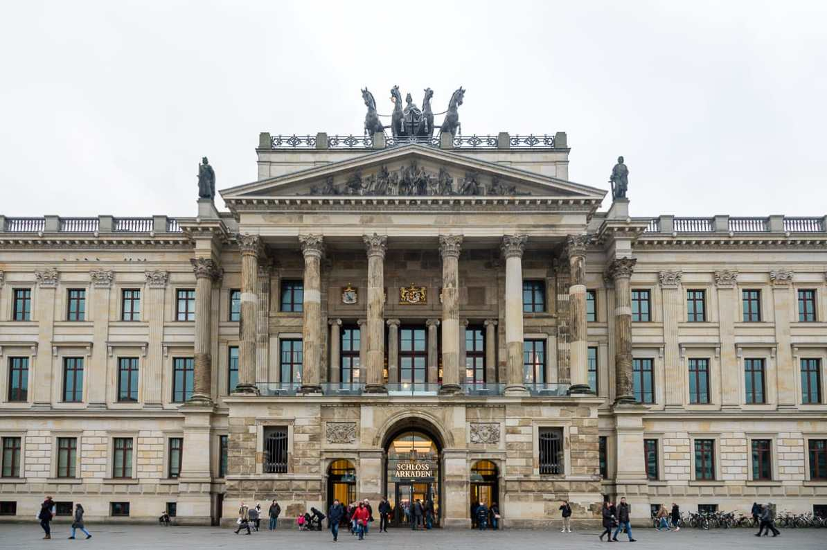 Braunschweiger Residenzschloss mit den Schlossarkaden