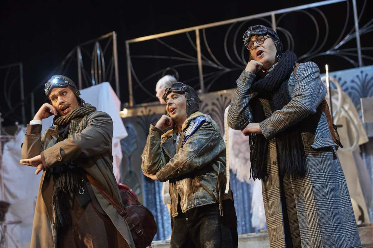 Theater Dortmund Marvin Zobel (Pannecke), Bonko Karadjov (Steppke), Morgan Moody (Lämmermeier) © Björn Hickmann, Stage Picture