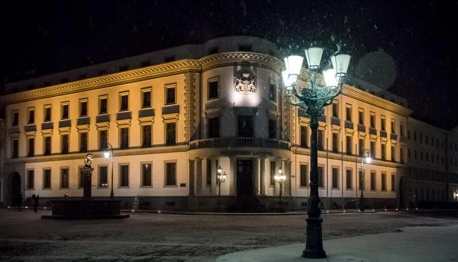 Wiesbaden: verschneiter Abend in Hessens Landeshauptstadt
