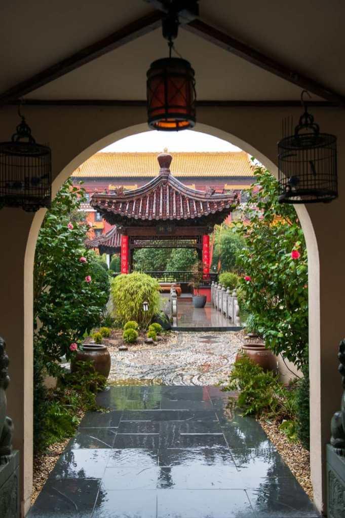 Pavillon im chinesischen Garten