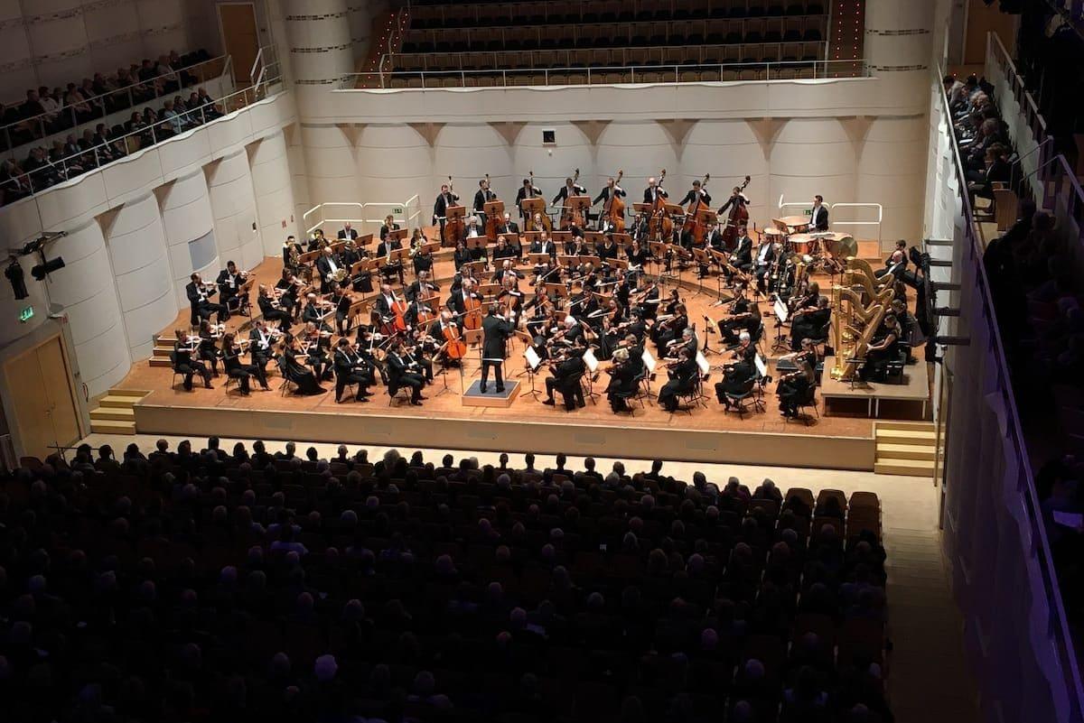 Dortmunder Philharmoniker unter Leitung von Gabriel Feltz im Dortmunder Konzerthaus Foto: Anneliese Schürer/Dortmunder Philharmoniker
