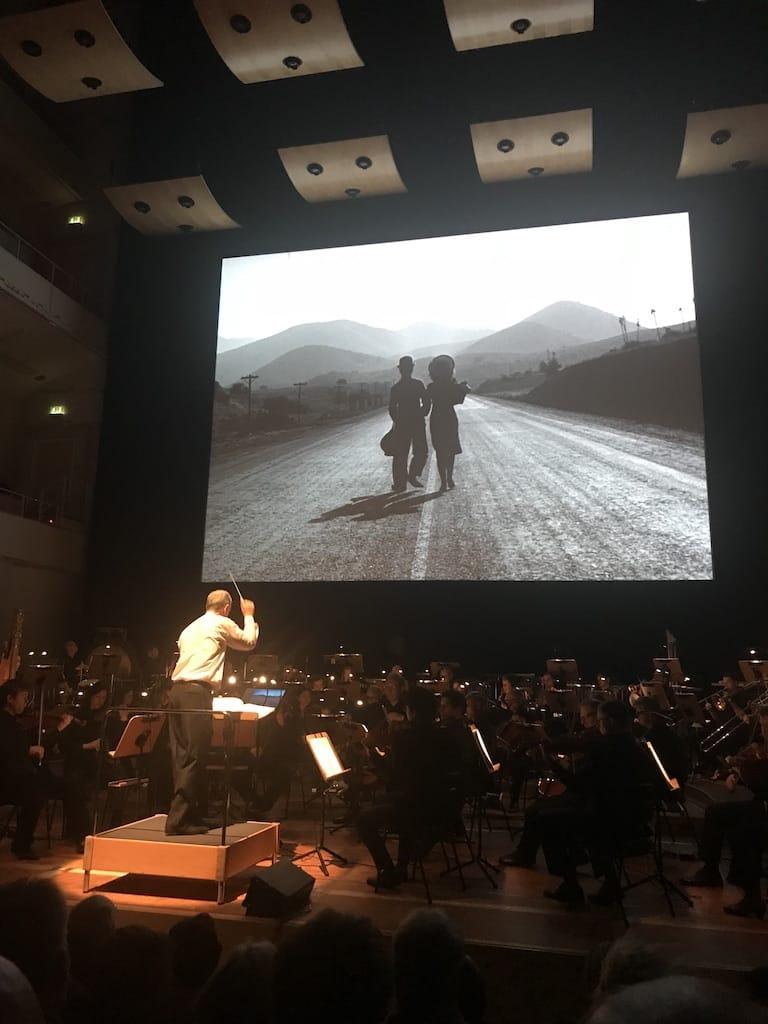 """Dortmunder Philharmoniker, Stummfilmkonzert """"Modern Times"""" - der Tramp und das Mädchen"""