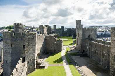 Blick vom Turm auf die Burgruine