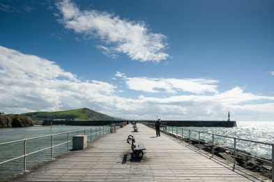 Am Pier/Einfahrt zum kleinen Hafen und Ende der Promenade