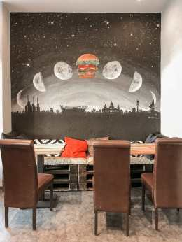 Burger dominiert hier im Beef & Shake.